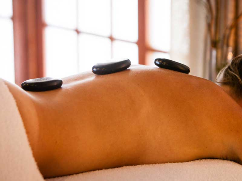 hot stones massage (90 minutes)