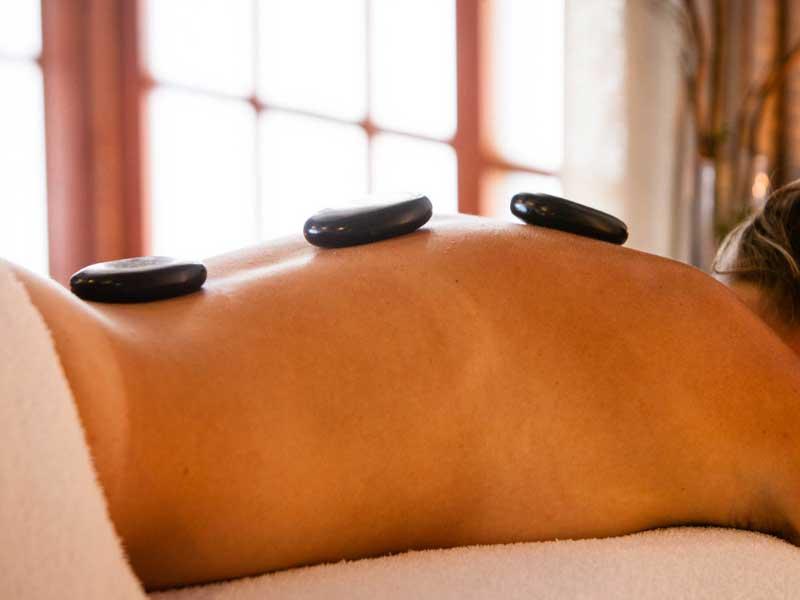 Hot stones massage - 90 mins