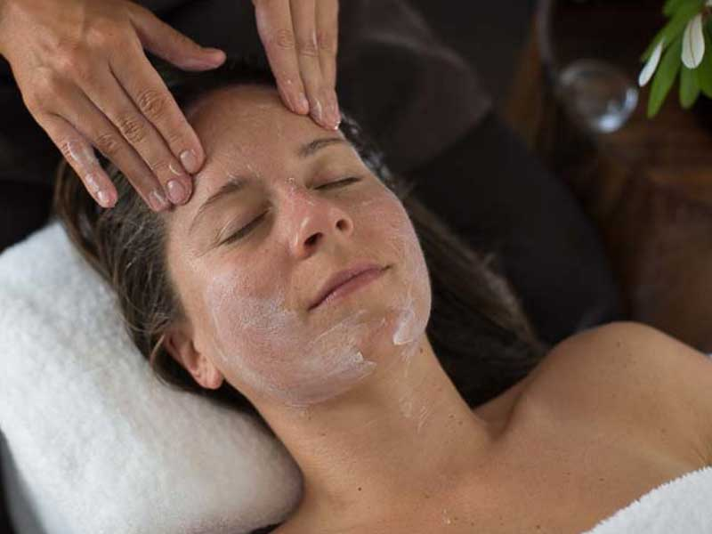 Refresher Organic Facial - 45 mins